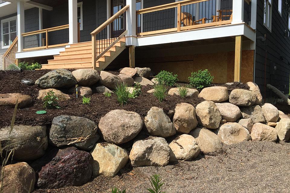 boulder-wall-and-retaining-walls