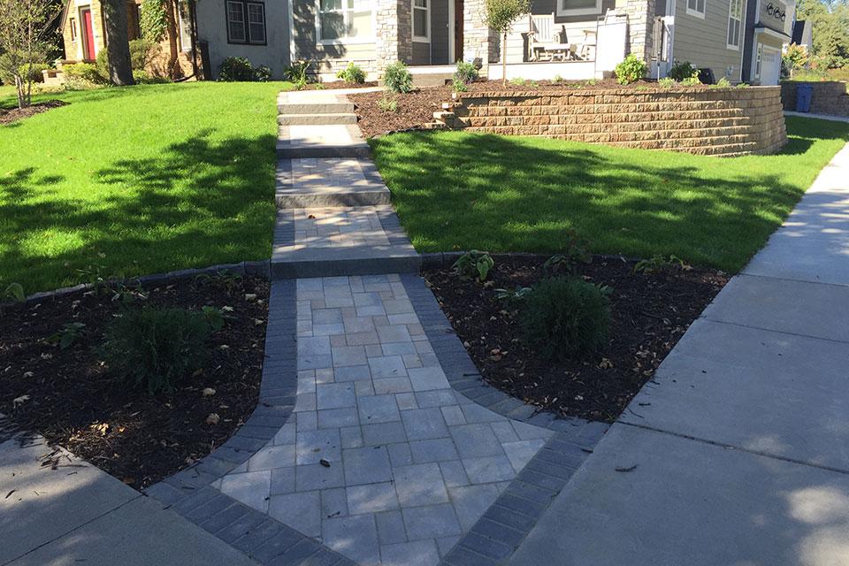 paver-walkway-and-retaining-wall